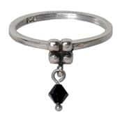 Charmins ring 099 hangende zirkonia zwart